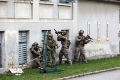 Vor dem Zugriff (Bundesheer.Fotos) Tags: bundesheer austrian army jagdkommando spezialeinsatzkrfte soldaten soldiers
