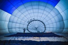 Anticipation (preze) Tags: heisluftballon hotairballoon ballonfahrt balloon flight heisluftballonfahren hotairballooning luftfahrt feuer fire brandenburg germany rund kreis flugplatzstrausberg strausbergerflugplatz blau blue
