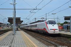 Ancora per poco (Francesco Fagnoni2) Tags: fb torino porta nuova venezia santa lucia treviglio e414 frecciabianca frecciarossa trainspottig