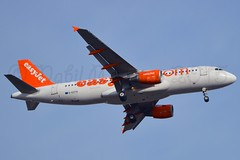 easyjet G-EZTH Airbus A320-214 cn/3953 @ LFPO 13-03-2015 (Nabil Molinari Photography) Tags: gezth airbus a320214 3953 cfm565b43 easyjet uk 2009 61909 406012 ff 061609 ory orly lfpo paris parisorly airport