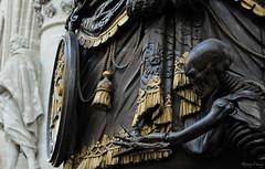 Death (_MissMoneyPenny_) Tags: church statue skeleton death cathedral belgium bruxelles chiesa morte brussel statua belgio cattedrale scheletro