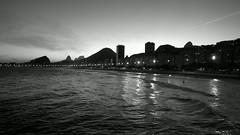 Nokia 808 pureview. Copacabana beach (luiz2031) Tags: blackandwhite landscape ngc copacabana nokia808pureview