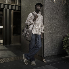 5 th avenue (Julio Lpez Saguar) Tags: aprobado juliolpezsaguar newyork usa unitedstates estadosunidos calle street gente people retrato portrait urban urbano 5thavenue hombre man