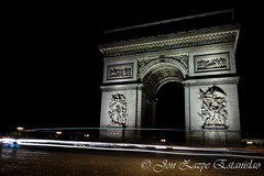 arc of the triumph (Jon Zazpe) Tags: long exposure larga exposicion nocturna viajes panoramica panoramic travel travels campos eliseos night sky noche landscape paisaje ciudad nightscape cityscape luz lights cars