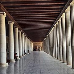 Columnata griega. (carlosarauz) Tags: arquitectura grecia atenas columna perfeccion dirico