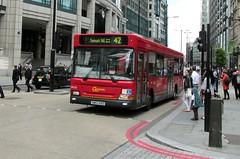 LDP255, Bishopsgate, London, 28/06/16 (aecregent) Tags: londonbuses2016 bishopsgate london 280616 goaheadlondon goahead londongeneral dennisdart slf plaxton ldp ldp255 sn53kko 42