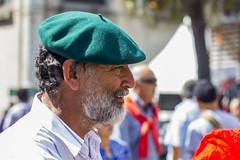 Verde y barba / Green and beard (Alvimann) Tags: alvimann canon canoneos550d canon550d canoneos gente man men people hombre male hombres hat hats sombrero sombreros boina boinas beret portrait retrato retratos portraits