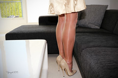 IMG_1117 - MAY 14 ... NYLON DAY! (nylongrrl) Tags: shiny highheels tights glossy elite heels satin pantyhose nylon eliteheels