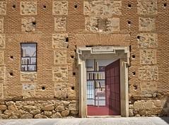 Biblioteca pintada (Telmac) Tags: toledo oropesa castillalamancha grafits jornadasmedievales