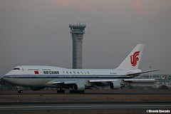 Boeing 747-4J6 / Air China / B-2447 (Vicente Quezada /// Photography) Tags: chile china santiago air off take boeing 747 scl 744 b2447 scel 747p