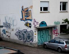 Vordach-Ghost. (universaldilletant) Tags: streetart graffiti is jake frankfurt ghost sau tags spot 1up 32 eriks dns wespe ase cityghost denk killerbee dzb cityghosts cpuk