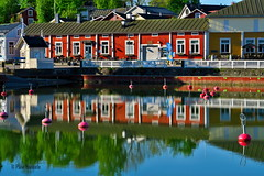 Nli_ranta (Paivi Hannele) Tags: blue sea reflection nature animals finland landscape boat meri naantali canonphoto thisisfinland visitfinland ourfinland