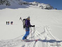 Day 3: Rare pow turns at around 3000m close to the Col d'Amiante. (Erik.G.) Tags: zermatt chamonix skitouring skitour hauteroute valsorey plateauducouloir