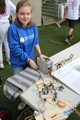 PZ20160513-010.jpg (Menlo Photo Bank) Tags: ca people usa girl sign spider us spring student technology maddy engineering quad science event individual atherton 2016 engaging upperschool makerfaire menloschool photobypetezivkov appliedscienceresearch