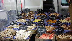 Nieuwmarkt (Rosapolis) Tags: netherlands amsterdam farmers market mercado nieuwmarkt noordholland