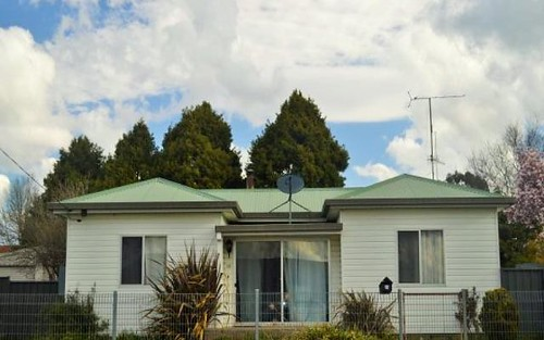 12 O'Donnell Avenue, Guyra NSW