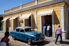 Striped polo shirts (Jean Ka) Tags: auto car sedan vintage cuba voiture limo collection chrome coche oldtimer oldie limousine kuba kraftfahrzeug sammelstck