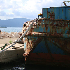 The rusted boat (Konstantin Delbrck) Tags: boat rust rusted rusty rost greece corfu blue red rope island square