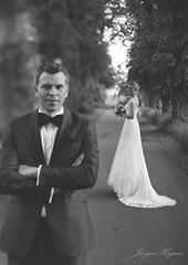 wedding (Jürgen Hegner) Tags: wedding portrait blackandwhite bw analog daylight xray tageslicht tilt hochzeit wideopen shenhao schwarzweis 13x18 13x18cm xrayfilm jürgenhegner nikkorw240 shenhaofcl57a