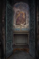 Mausoleum Icon (margatt2012) Tags: friedhof paris abandoned grave tomb mausoleum forgotten decrepit montparnasse derelict crypt cimeterie ceemetery