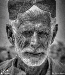 Portrait Of An Old Man! (Kashi Klicks) Tags: life street old portrait blackandwhite man monochrome face rural beard person photography hope artistic candid expressions elderly age emotional wrinkles kashi kk textured catchlight faceportrait klicks artofportraiture deepinthoughts rembrandtart portraitmood kklicks kashiklicks