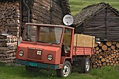 NEH_7092 trattore (Nestor Neroman) Tags: ces montagna trattore mezzo agricolo gribbio tractorandmore