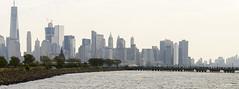 Manhattan vu du liberty park  Jersey city (regis.muno) Tags: newyork manhattan nikond7000 usa jerseycity libertypark