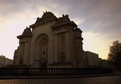 Porte de Paris (Zezyx) Tags: france monument architecture frankrijk lille arcdetriomphe louisxiv rijsel koning 1687 kingoffrance triomfboog portedeparis lodewijkxiv zonnekoning simonvollant lillerijsel