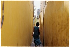Hi An, 4/2016 (Khnh Hmoong) Tags: life street travel film yellow wall architecture analog 35mm photography alley vietnam hoian analogue nikonfm kodakcolorplus200