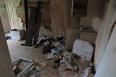 2016-05-18_04-56-06 (tommikv) Tags: abandoned forgotten abandonedhouse desolate derelict hyltty autiotalo
