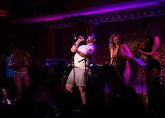 IMG_2556 (Cherie B. Tay) Tags: nyc concert ukulele 54below theskivvies