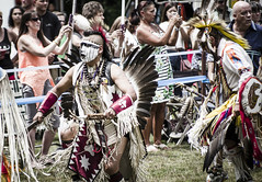 IMGP0562 (pitysing) Tags: beads colorful dancing audience cameras shield knives tradition ancestry brings americanindians headdress regalia onlookers powwow breastplate 2016 rattles quirts dancesticks