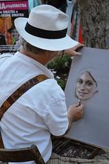 DSC_0750 (Vlaformica) Tags: persone ritratto posa artista pittore dipinto arte strada intrattenimento fun divertimento funny smile sorriso posare taormina sicilia island isola sicily turista colori gessetti gesso tempera
