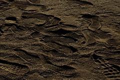 pegadas-1 (xanfer) Tags: area pegadas huellas sanroman praiasanroman