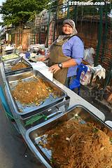 Noodles Hawker (2121studio) Tags: thailand streetphotography foodporn siam streetfood hawkers northernthailand travelphotography amazingthailand exoticfood  travelinthailand masjidhidayatulislambanhaw deliciousfoodinchiangmai halalfoodinthailand halalfoodinchiangmai muslimmarketinchiangmai  makananhalaldithailand  landoftiger landofwhiteelephant thaitourinformation