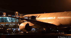 F-GSPB - B777-228ER (Maxime C-M ✈) Tags: from paris france night airplane airport poste nikon martinique aircraft aviation air 8 seven boeing af arrival nikkor heavy sept 777 triple jetway spotting orly avion gros arrivée t7 772 aéroport passerelle deboarding b777 fdf porteur p8 afr 972 madinina b772 débarquement d3200 tfff 55300mm fgspb