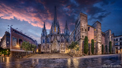 Catedral de Barcelona (dleiva) Tags: barcelona city sunset panorama architecture spain europe view gothic center panoramic catalonia citycenter domingo leiva panoramicview dleiva