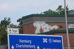 75 - Halenseestrae (unterwegs_in_berlin) Tags: 75fnfundsiebzigseventyfiveberlingraffitidach grunewald a100