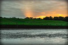 ray of sun (billdsym) Tags: annan scotland river water sunray ray sun