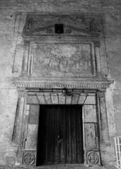 Puerta franciscana (Gayoausius) Tags: puerta door 7dwf blancoynegro blackandwhite iglesia franciscano fresco church cuernavaca catedral franciscana 600d canon t3i
