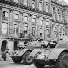 Defil in Amsterdam met Canadese tanks, 28 juni 1945 | Parade in Amsterdam with Canadian tanks, june 28th 1945 | Parade  Amsterdam avec engins blinds canadiens, 28 juin 1945 (Nationaal Archief) Tags: armoredcar armouredcar canadianarmy t17 staghound t17e t17e1 armoredwarfare armouredwarfare t17e1staghound t17estaghound t17armoredcar