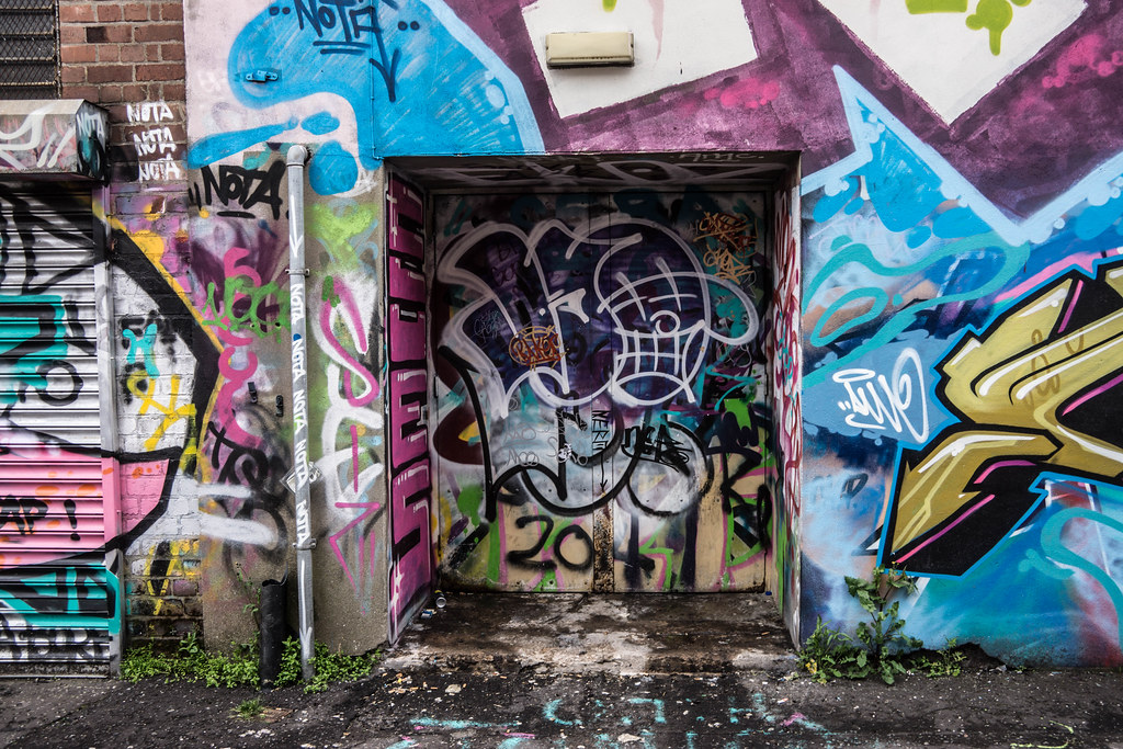 Street Art In Belfast [May 2015] REF-104703