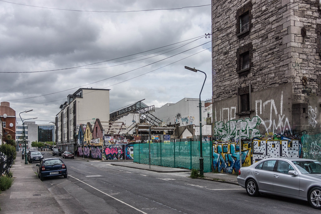 ACROSS THE STREET FROM THE DEMOLISHED WINDMILL LANE RECORDING STUDIOS  REF-104868