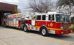 PFD Ladder 31 (Aaron Mott) Tags: philadelphia fire firetruck philly ladder firedept firedepartment kme tiller pfd tda fireapparatus phillyfire philadelphiafire phiadelphiafire firetruckpfd philadelphiafirefiretruck pfdfiretruck