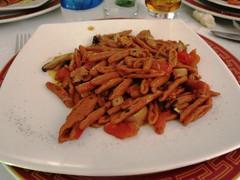 Saturday Colours - Dinner in Matera (Pushapoze - sciatica) Tags: italy food mushrooms italia walnuts pasta basilicata funghi matera cibo noix lucania noci casarecce ilcantuccioristorantematera