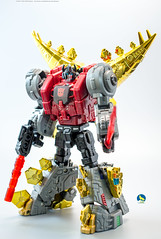 TW_Snarl (Weirdwolf1975) Tags: podcast slag transformers roar sludge muddy swoop snarl spear grimlock dinobots toyworld tfylp irondreg grimshell