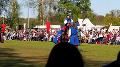 Ritter (Jaliah_music) Tags: blue horse festival ride medieval ring mai tournament fantasy sword knight blau spectator pferd reiten ritter phantasie mps schwert zuschauer spectaculum mittelalterlich rastede tunier rittertunier filmpferde