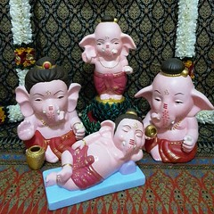 coming soon..... โอม ศรี คเณศายะ นะมะหะ  ร้านกังกิเทน คเณศ (Kangi-Ten Ganesha)  เปิดให้บูชาองค์มหาเทพ และเครื่องสักการะบูชา วันพฤหัสฯ - วันอาทิตย์ เวลา 18:00 - 24:00 น. @ ตลาดรถไฟศรีนครินทร์ หลังซีคอน โซนตลาดนัด ล๊อค D22  Contact : 1. Hot LINE : 0909-878-