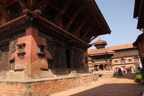 "d13 Bhaktapur, PAtan (12) <a style=""margin-left:10px; font-size:0.8em;"" href=""http://www.flickr.com/photos/125852101@N02/17847952096/"" target=""_blank"">@flickr</a>"