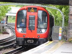 21065-Ruislip-14052015 (AndrewR232) Tags: londonunderground metropolitanline ruislip s8stock